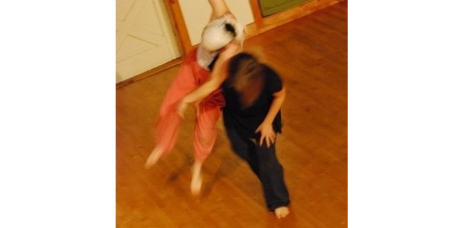 Danse Contact Improvisation, par John Barrett